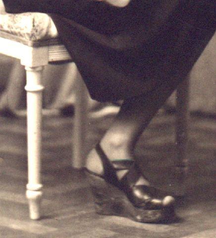 Chaussures à semelle de bois pendant l'occupation allemande 1939-1945